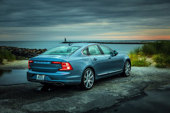 196475_New_Volvo_S90_location.jpg