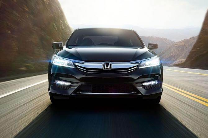 Хонда хочет восстановить продажи Accord иCivic в РФ
